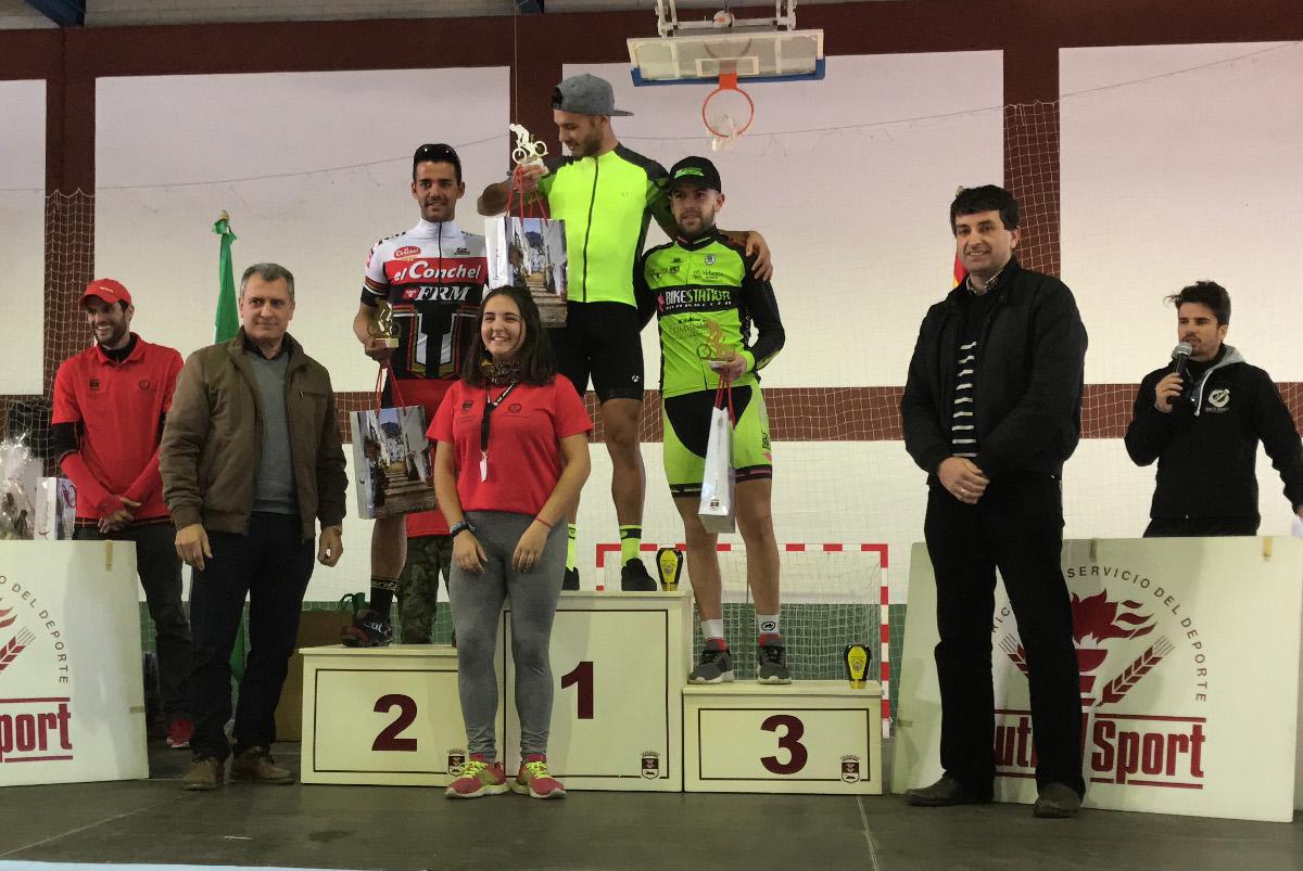Alejandro Ruiz en el podio