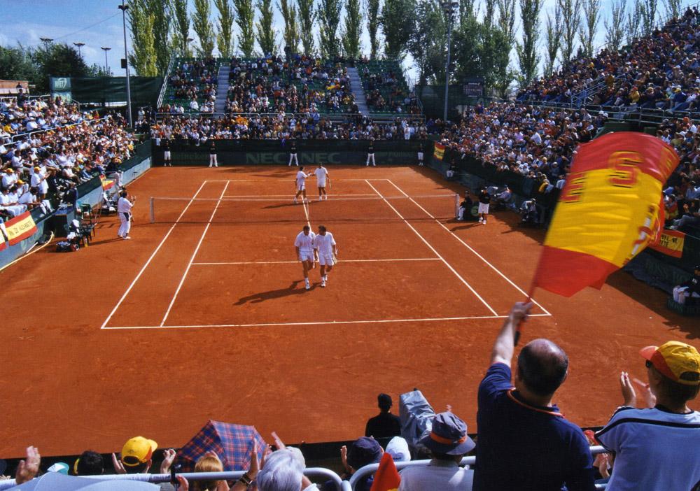Aspecto de la pista central en la eliminatoria de la Copa Davis 2001