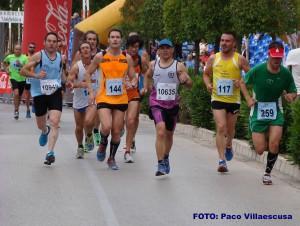 Atletas en Almansa (Foto: Paco Villaescusa)