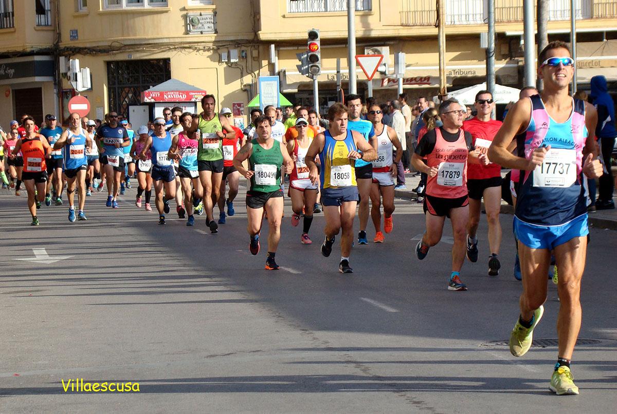 Atletas en la XXIX Media Maratón Honorio Soria Cifo Ciudad de Hellín
