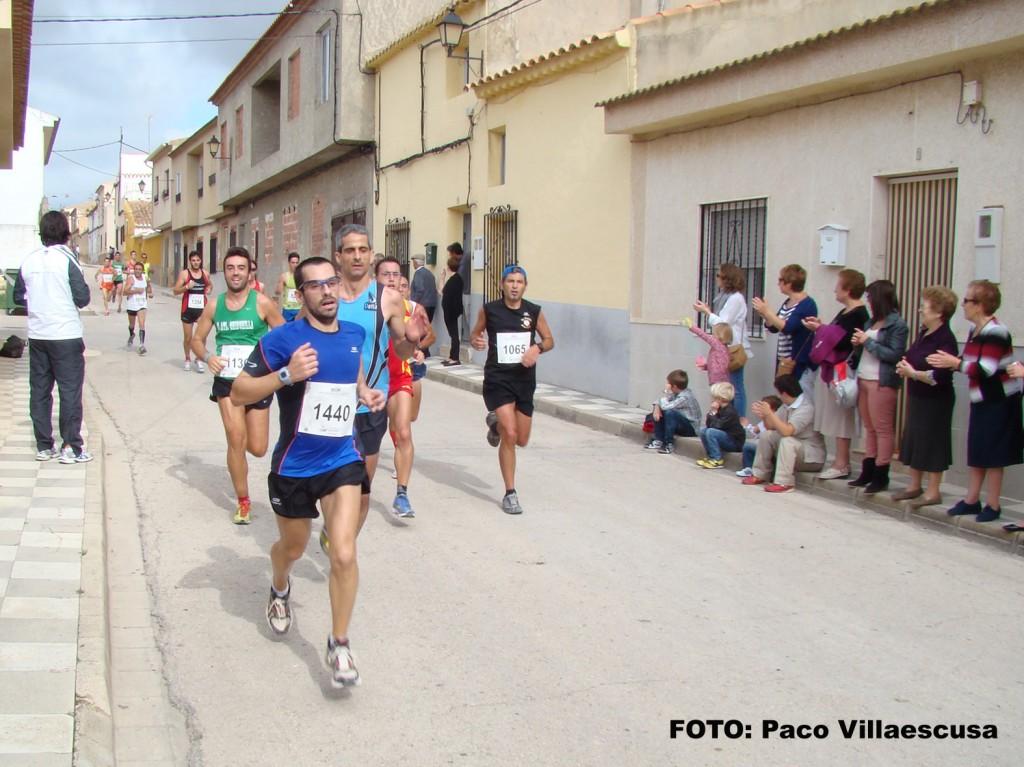 Atletas populares en Hoya Gonzalo (Foto: Paco Villaescusa)