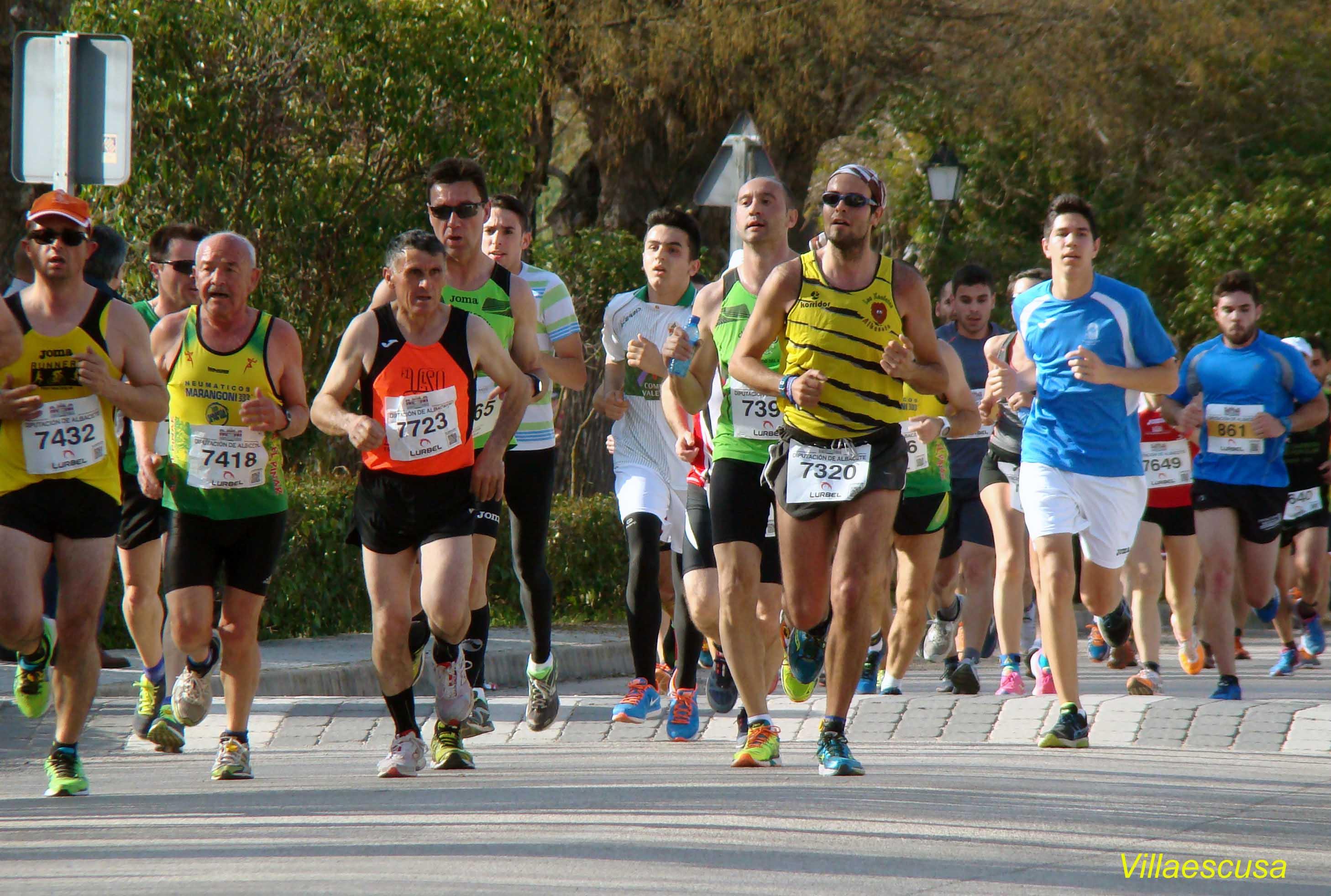 Atletas populares en Minaya 2 (Foto: Paco Villaescusa)