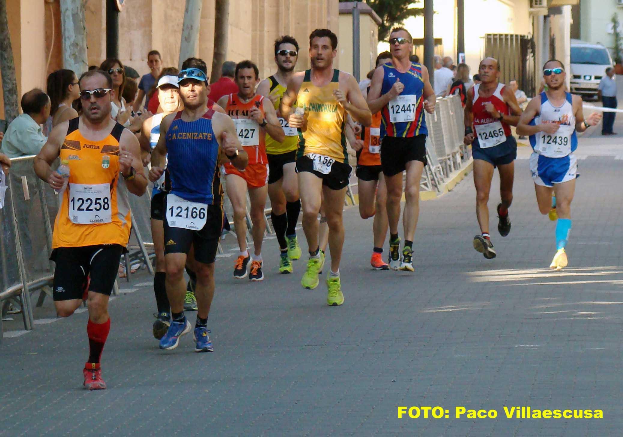 Atletas populares en Montealegre del Castillo (Foto: Paco Villaescusa)