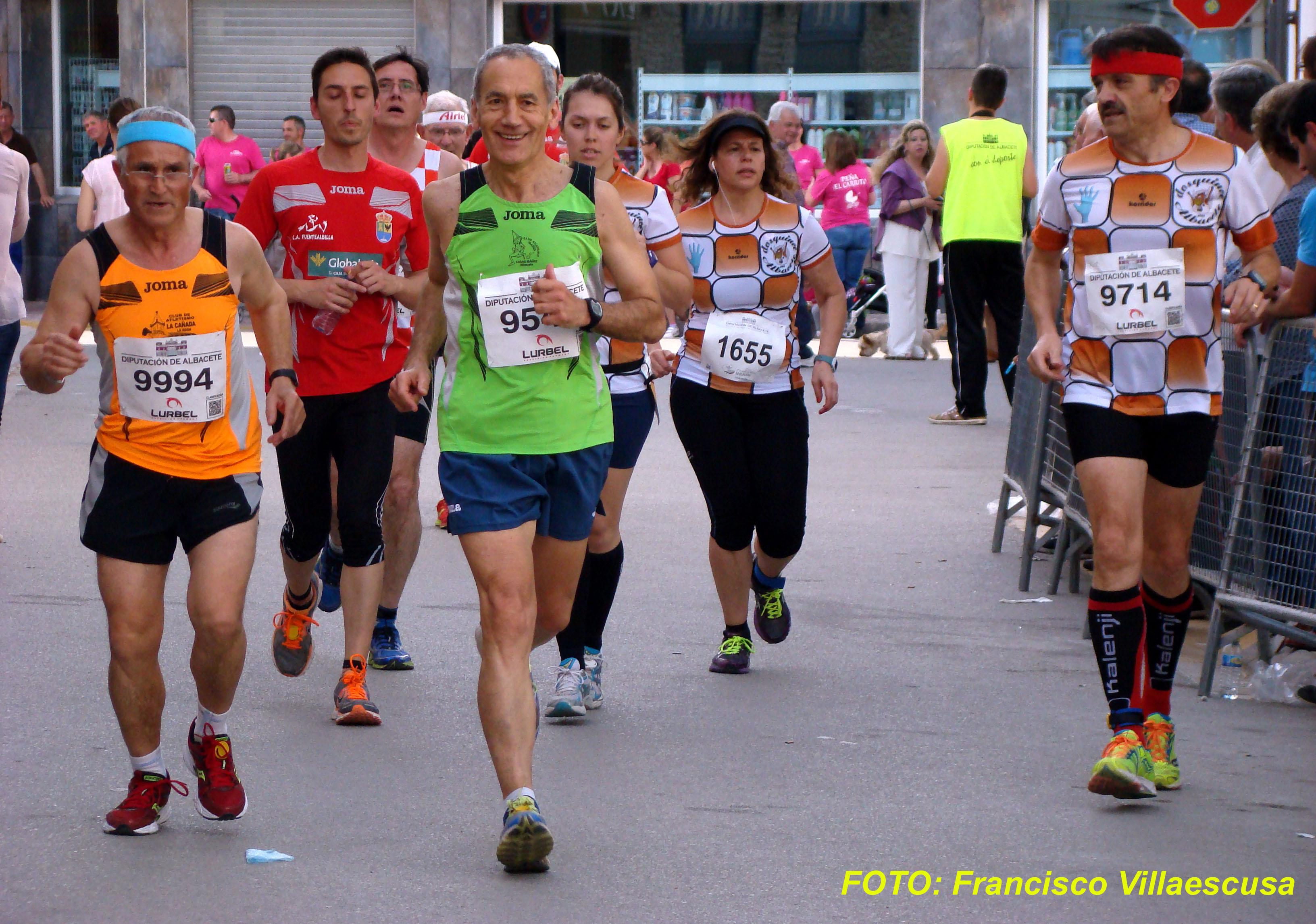 Atletas populares en Valdeganga 2 (Foto: Paco Villaescusa)