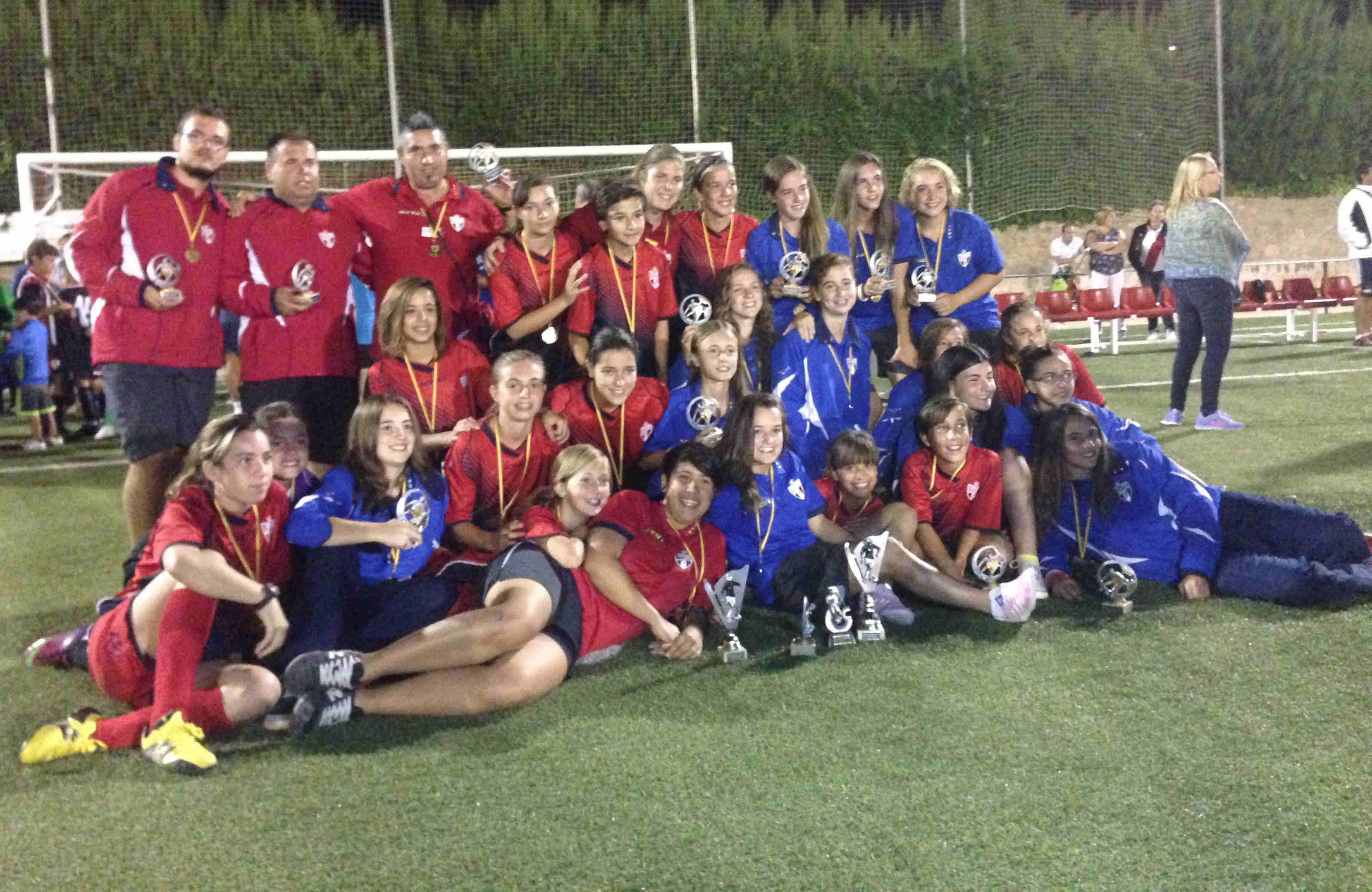 CD Al-Basit con los trofeos en Villanueva de los Infantes