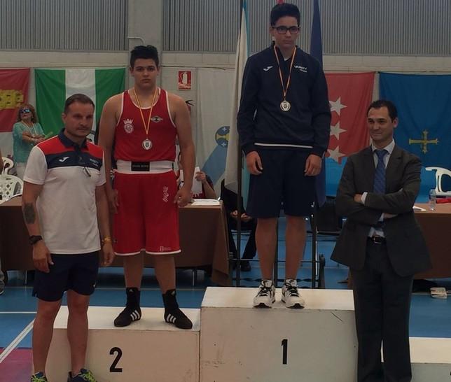 Carlos Martínez en lo más alto del podio