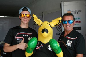 Champi Herreros junto a su piloto Corey Turner