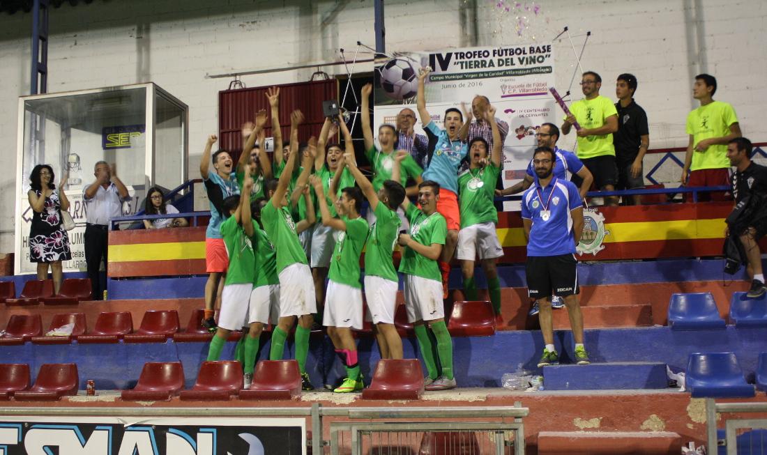 """EM Pedroñeras, campeón del IV Edición del Torneo de Fútbol Base """"Tierra del Vino"""" de Villarrobledo en categoría cadete"""