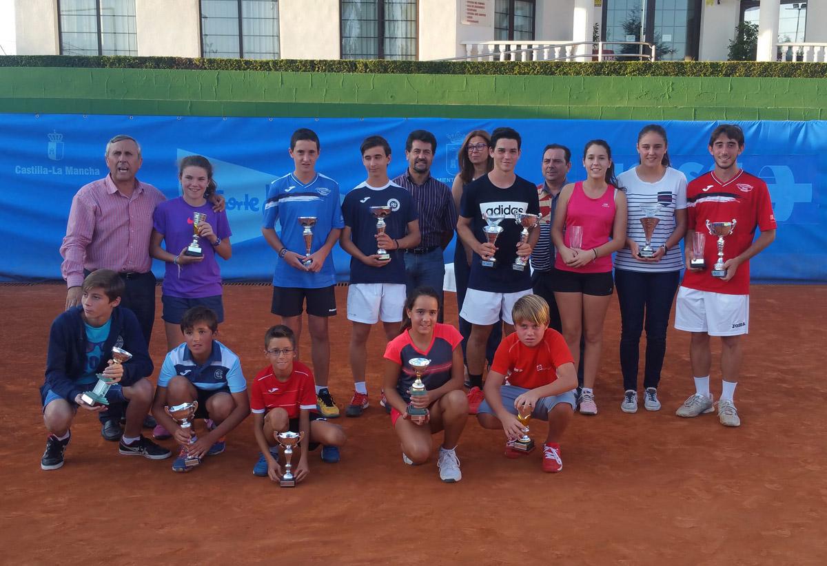Entrega de premios de la segunda fase del III Circuito Asisa de Tenis