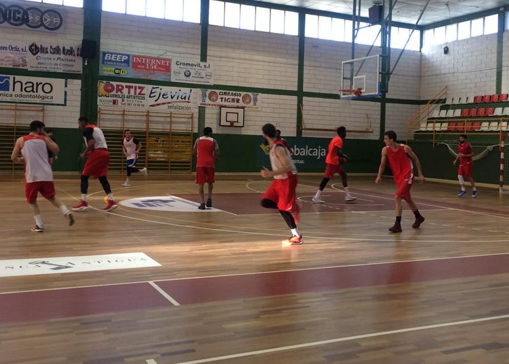 Entrenamiento del Club Baloncesto Villarrobledo