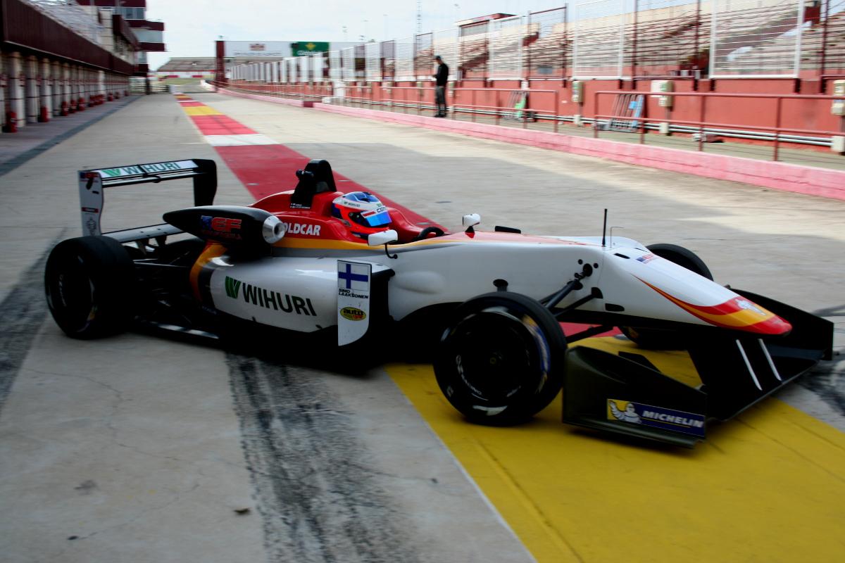 Entrenamientos en el Circuito de Velocidad de Albacete