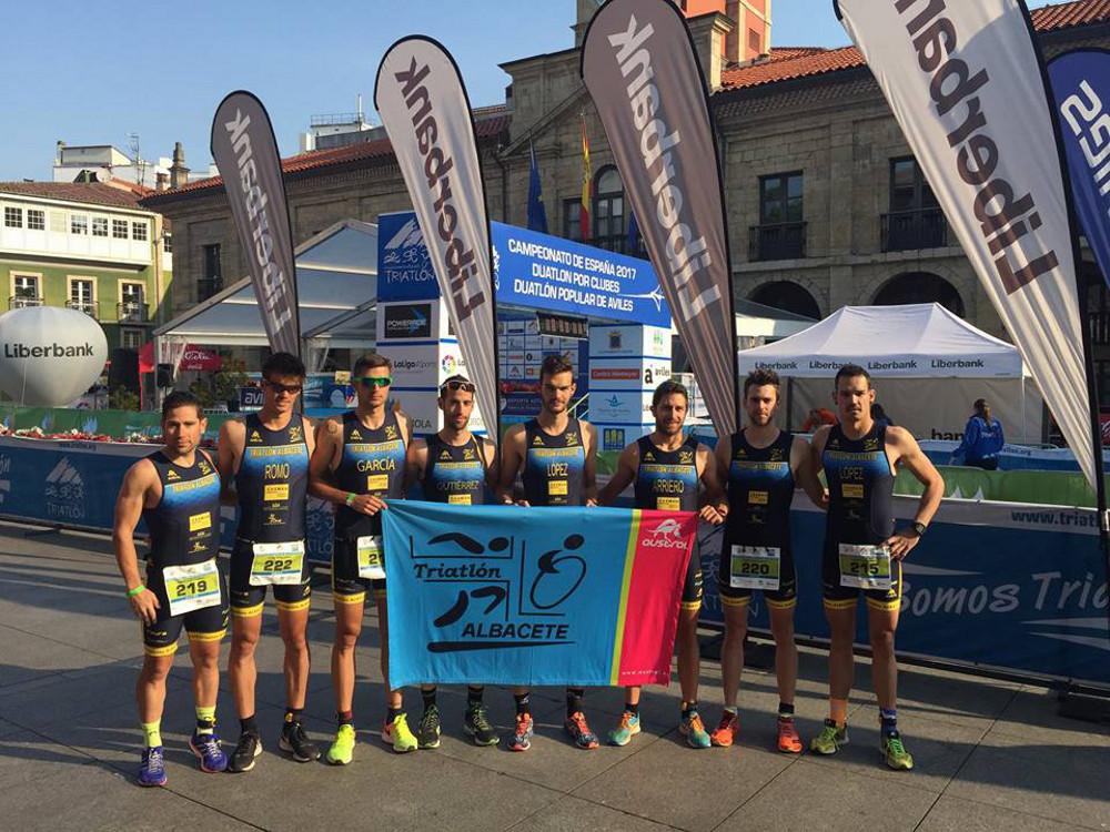 Equipo masculino del CD Casman Triatlón Albacete