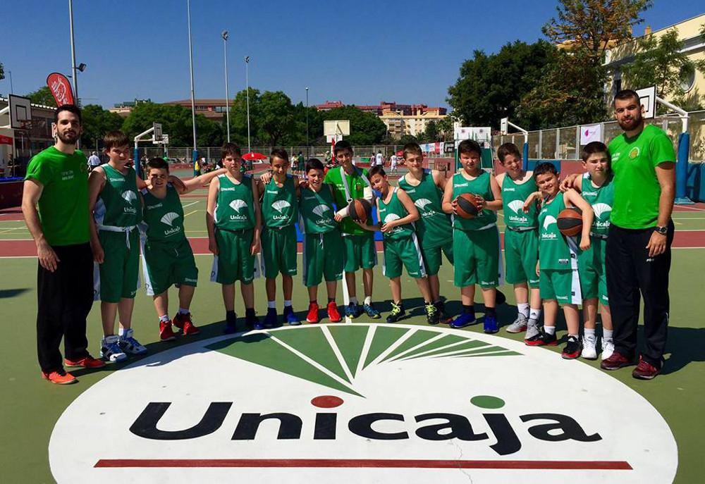 Escuela de Baloncesto CP La Roda en el All Star de Málaga