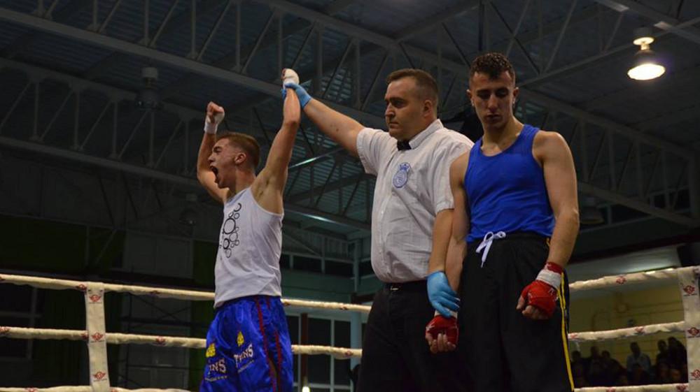 Fernando Castillo en los cuartos de final del Campeonato de Castilla-La Mancha de Boxeo