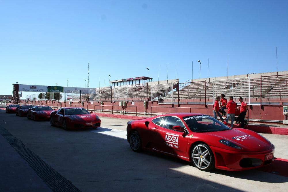 Ferrari en el Circuito de Albacete