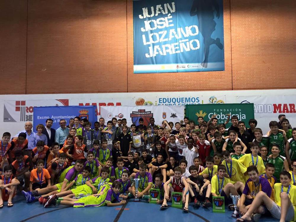 Foto de familia del XIX Torneo Internacional Marca Villa de La Roda