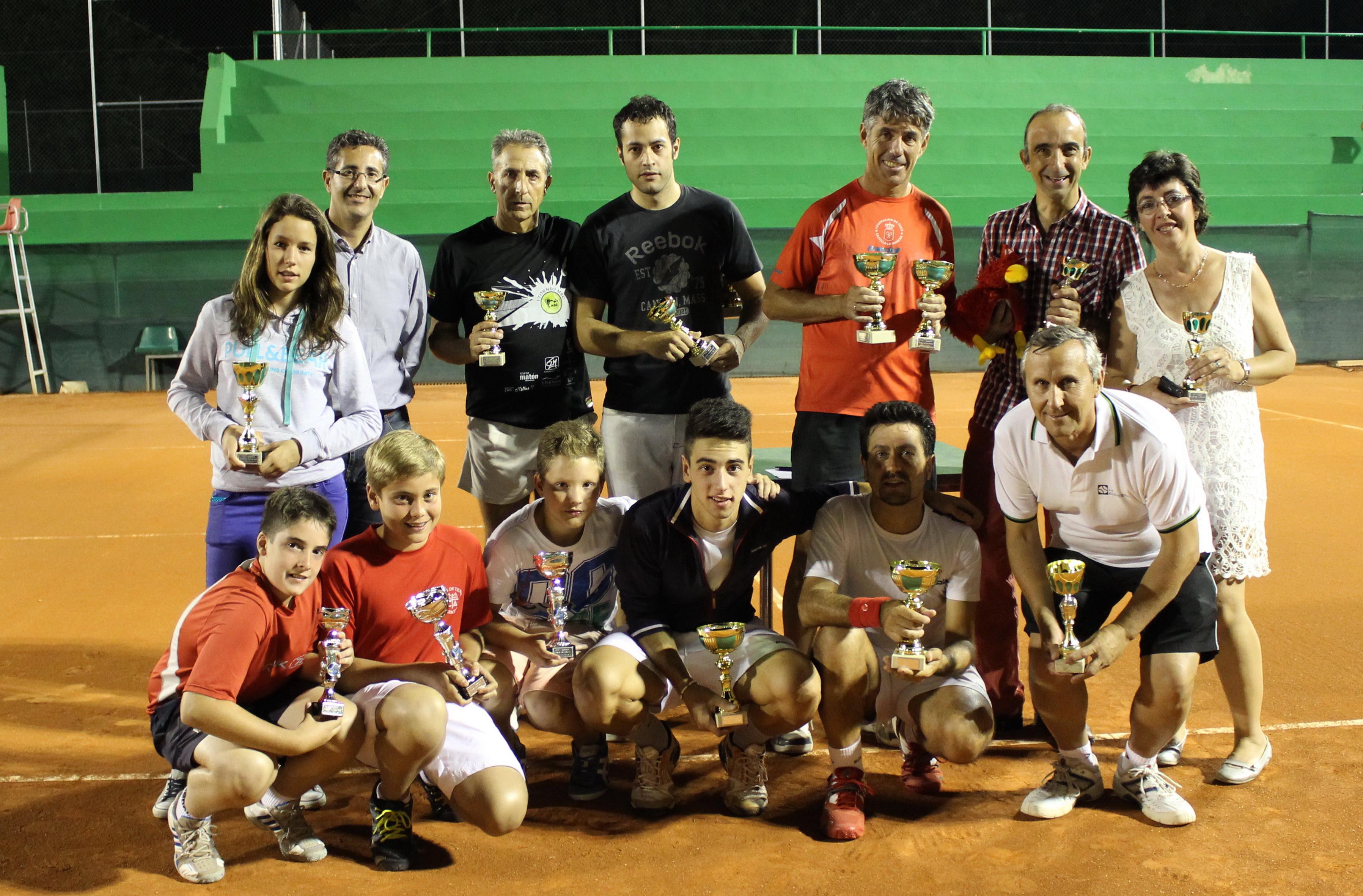 Ganadores y finalistas del VII Torneo Nocturno de Verano