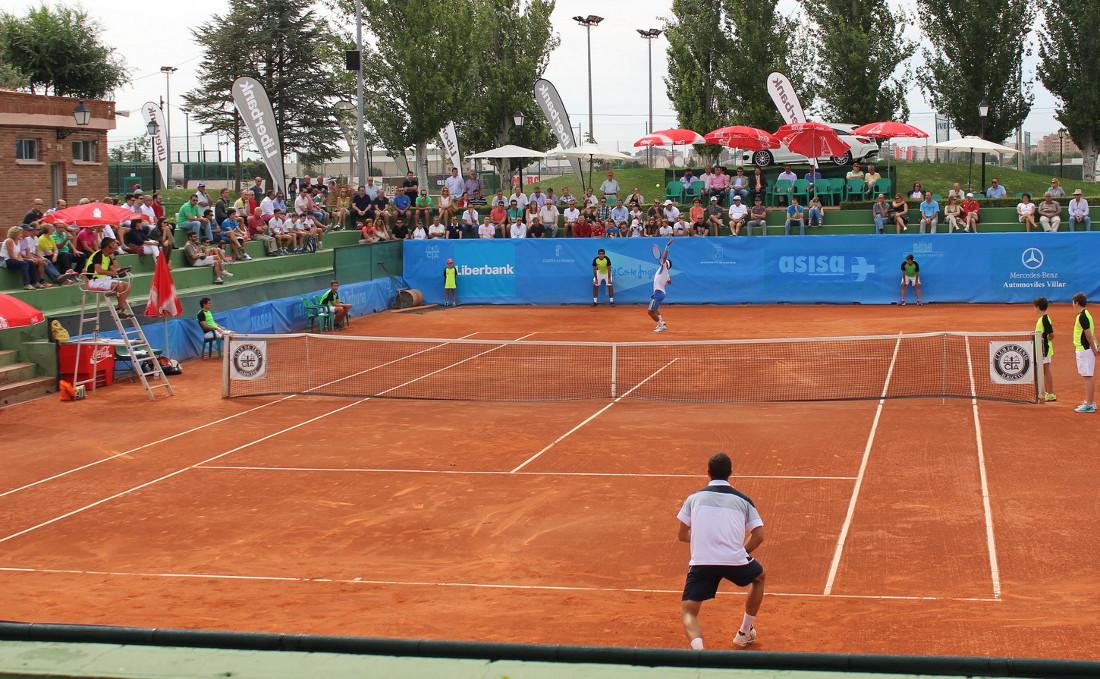 Imagen de la pista central del Club Tenis Albacete