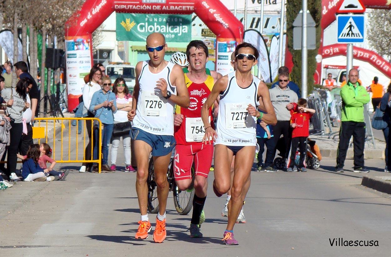 María José de Toro en la XIV Media Maratón de La Roda (Foto: Paco Villaescusa)