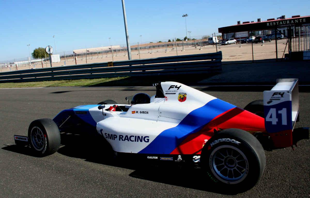 La piloto Marta García, en el Circuito de Velocidad de Albacete