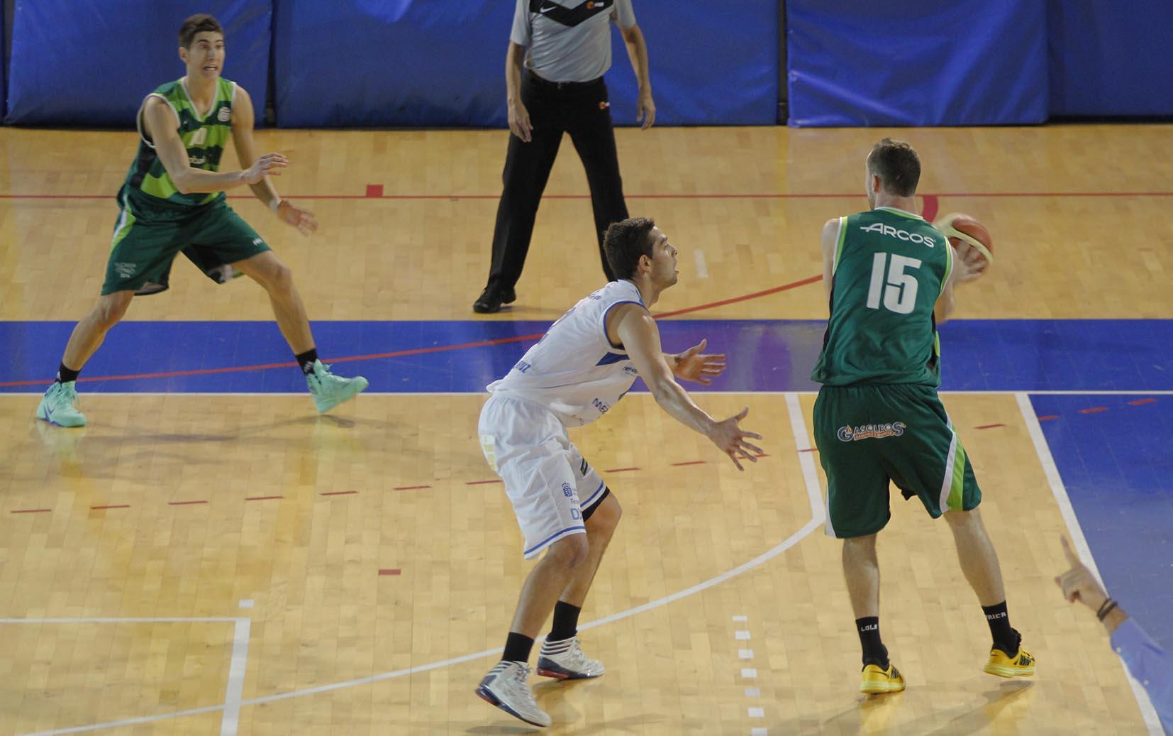 Meridiano Santa Cruz - Albacete Basket (Foto: Julio Escobar)