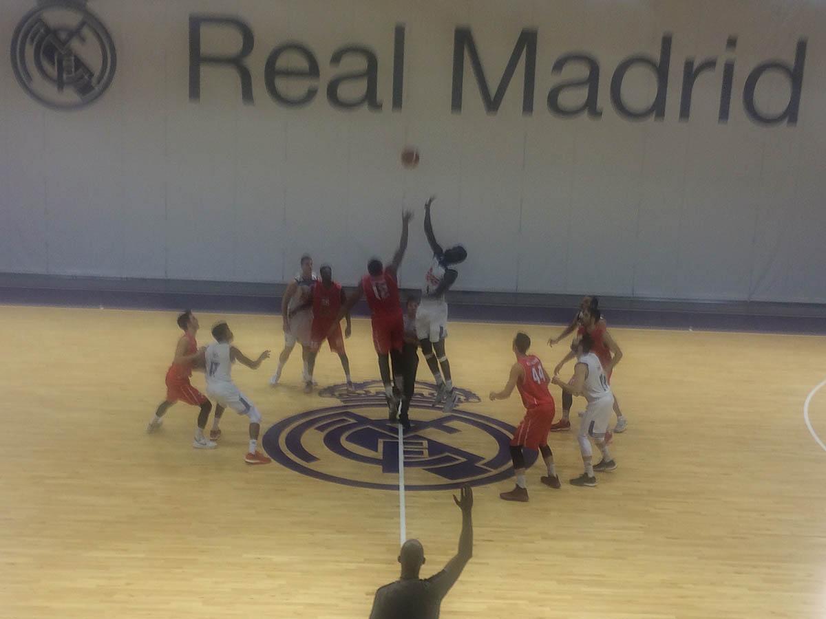 Real Madrid - CB Villarrobledo (Foto: Fede Añover)