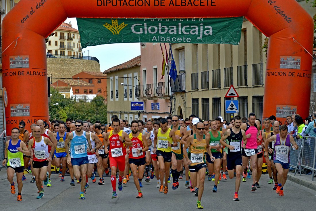 Salida de la Carrera Popular de Chinchilla de Montearagón