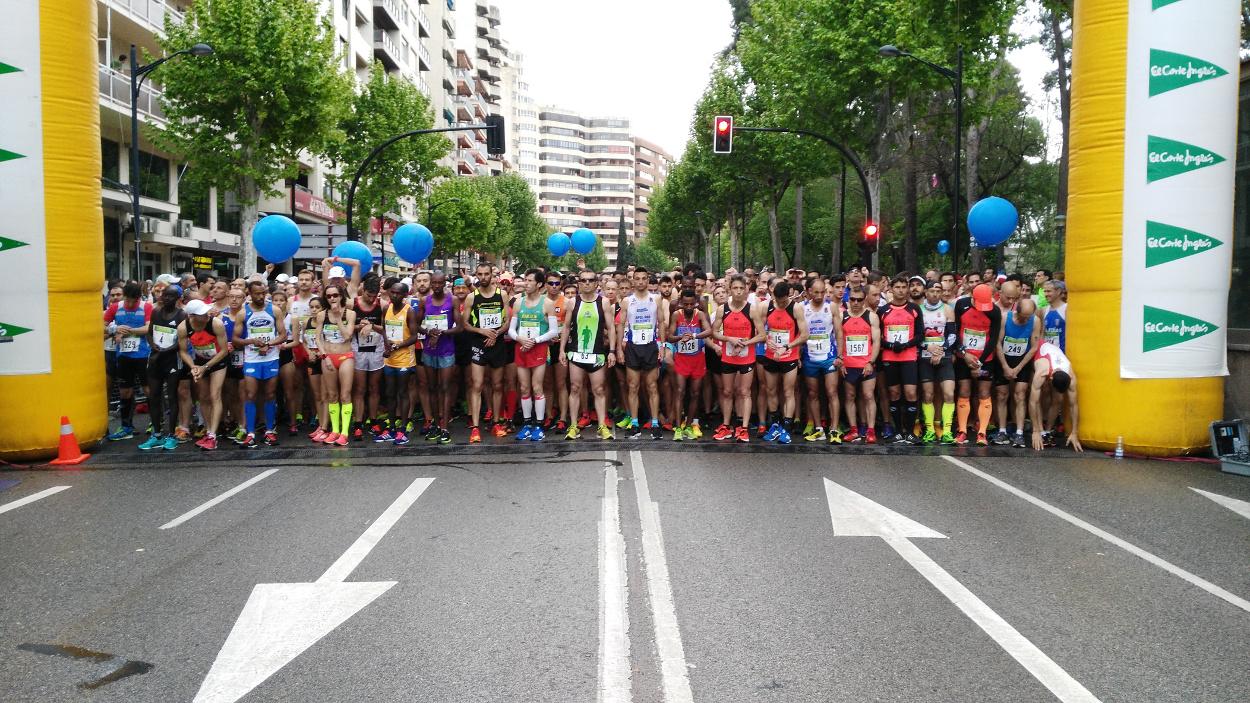 Salida de la XXI Media Maratón Internacional Ciudad de Albacete