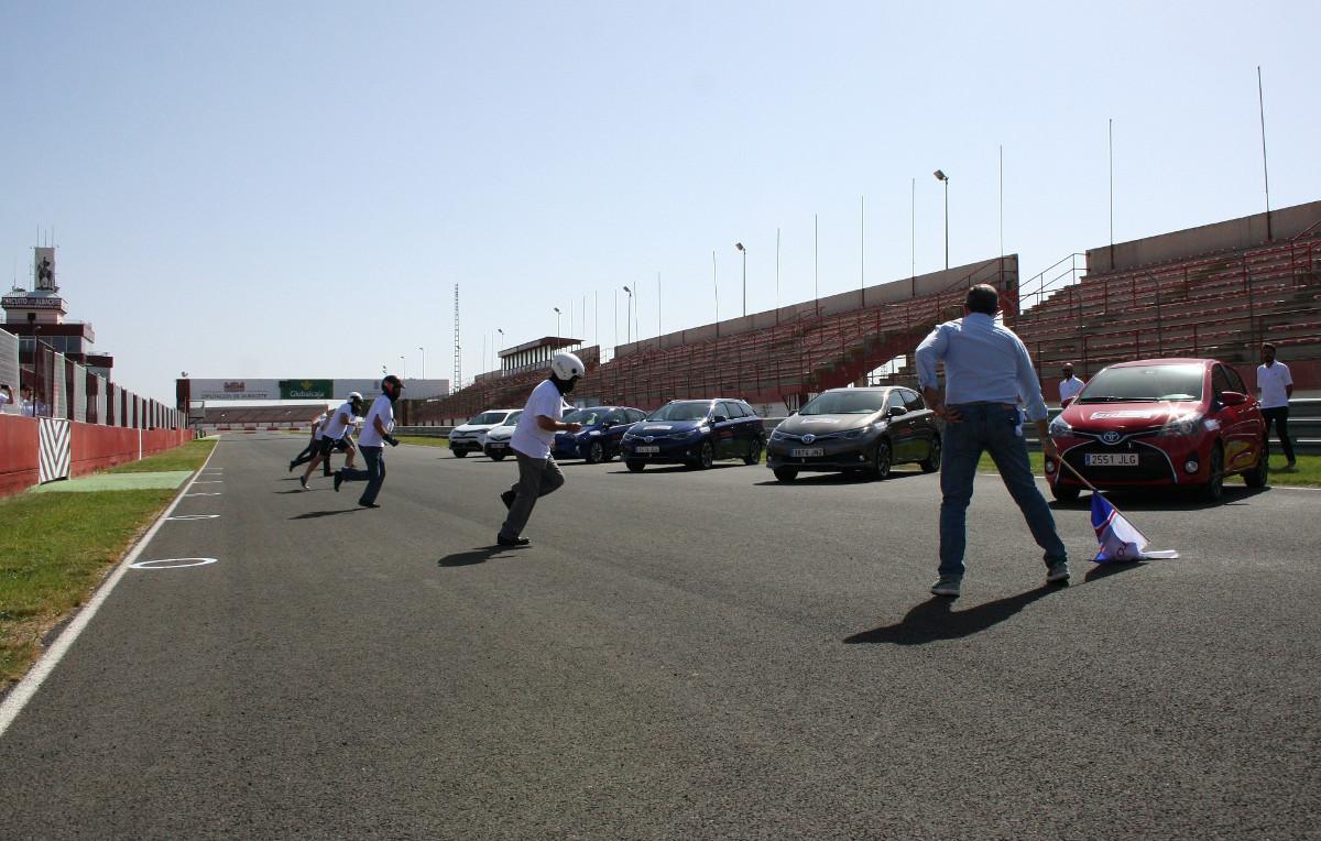 Salida de las 24 Horas Híbridas de Toyota en el Circuito de Albacete