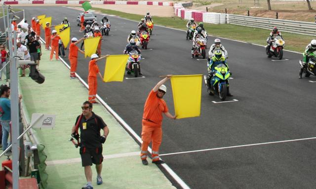 Salida de una carrera en el Circuito