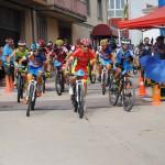Salida del recorrido alternativo en la prueba BTT de La Vegallera (Foto: Prodepor)
