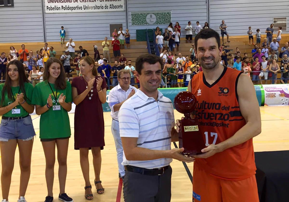 Valencia Basket gana el Trofeo Feria ACB