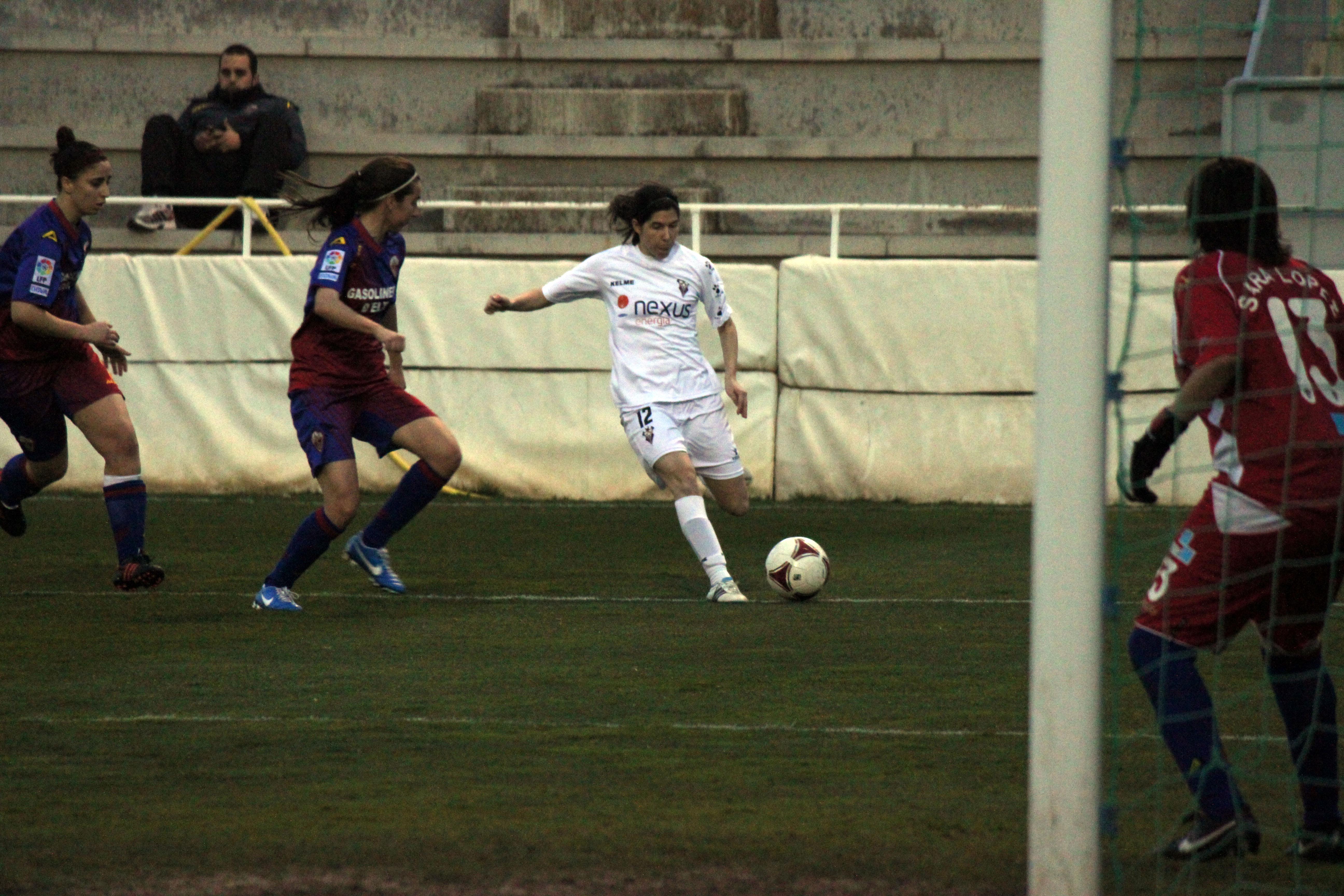 Vanesa Lorca (Foto: www.5maseldescuento.es)