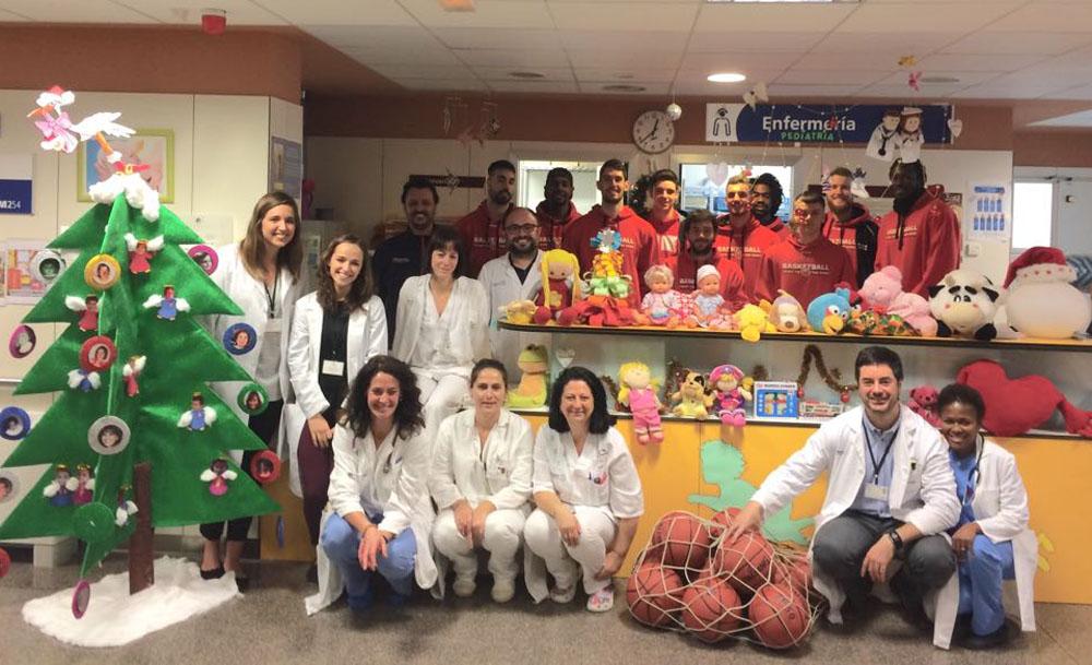 Visita del CB Villarrobledo al Hospital
