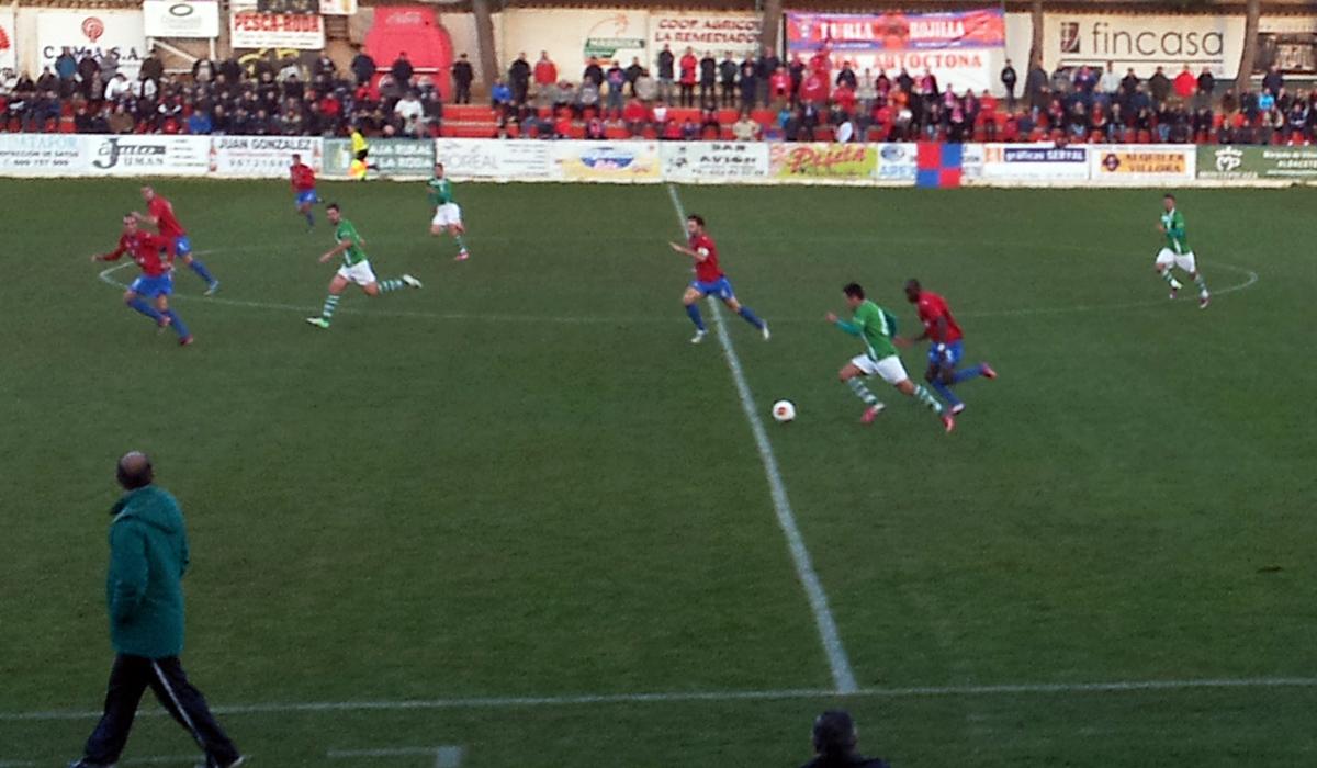 La Roda CF - CP Cacereño (Foto: Juan García)